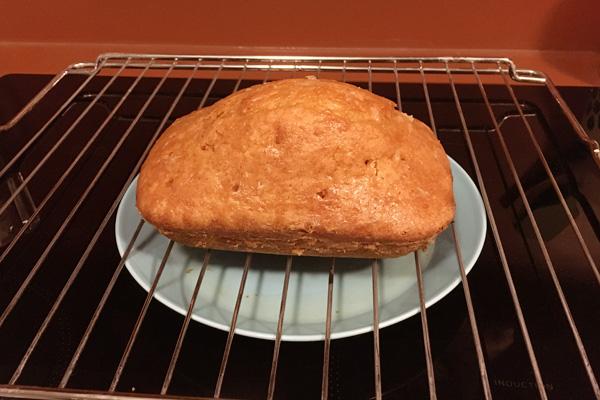 簡単に作れるレモンケーキ Lemon Drizzle Cake