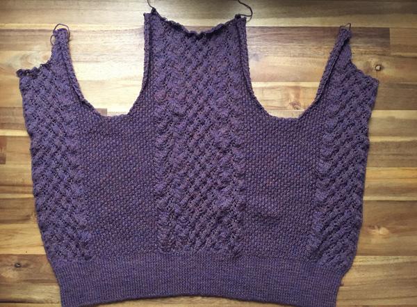 身ごろが編み上がり、パーツがすべて揃いました ~Breckon