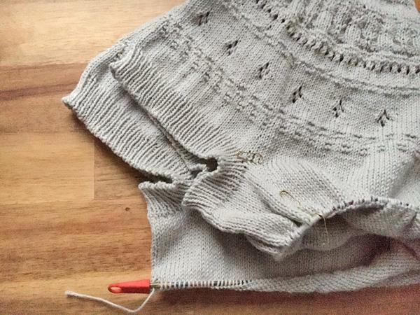 夏用セーターに思うこと ~丸ヨークセーター